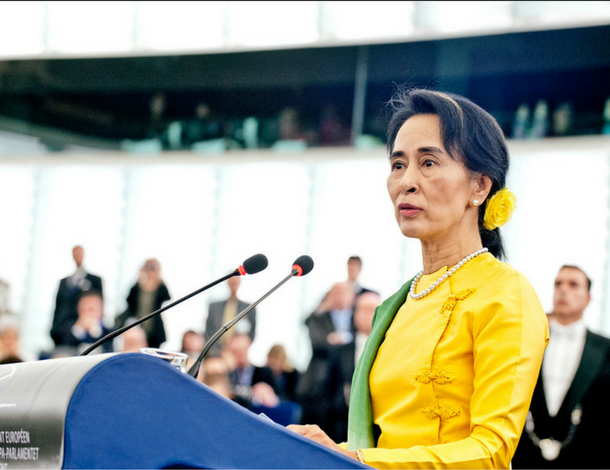 Aung San Suu Kyi, European Union 2013 - European Parliament (Flickr (CC BY-NC-ND 2.0)