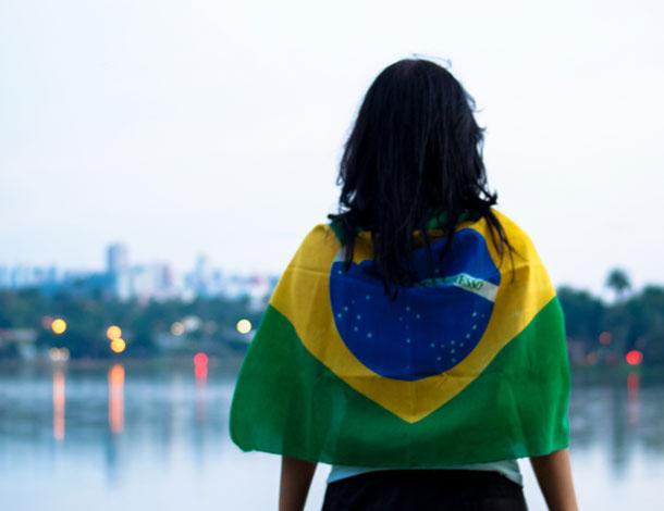 Brazil woman - Bandeira (610x470)