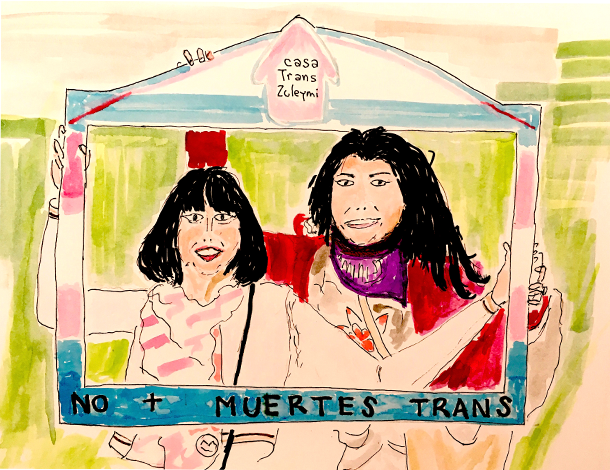 Casa Trans Zuleymi - 2 people holding a frame around them (610x470)