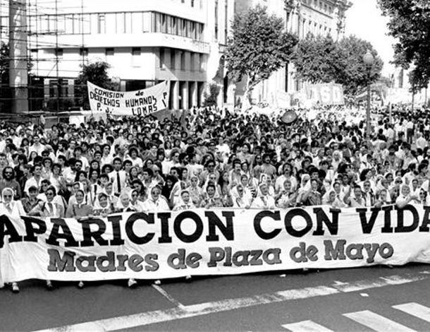 Disappeared Madres de plazo de mayo - tile