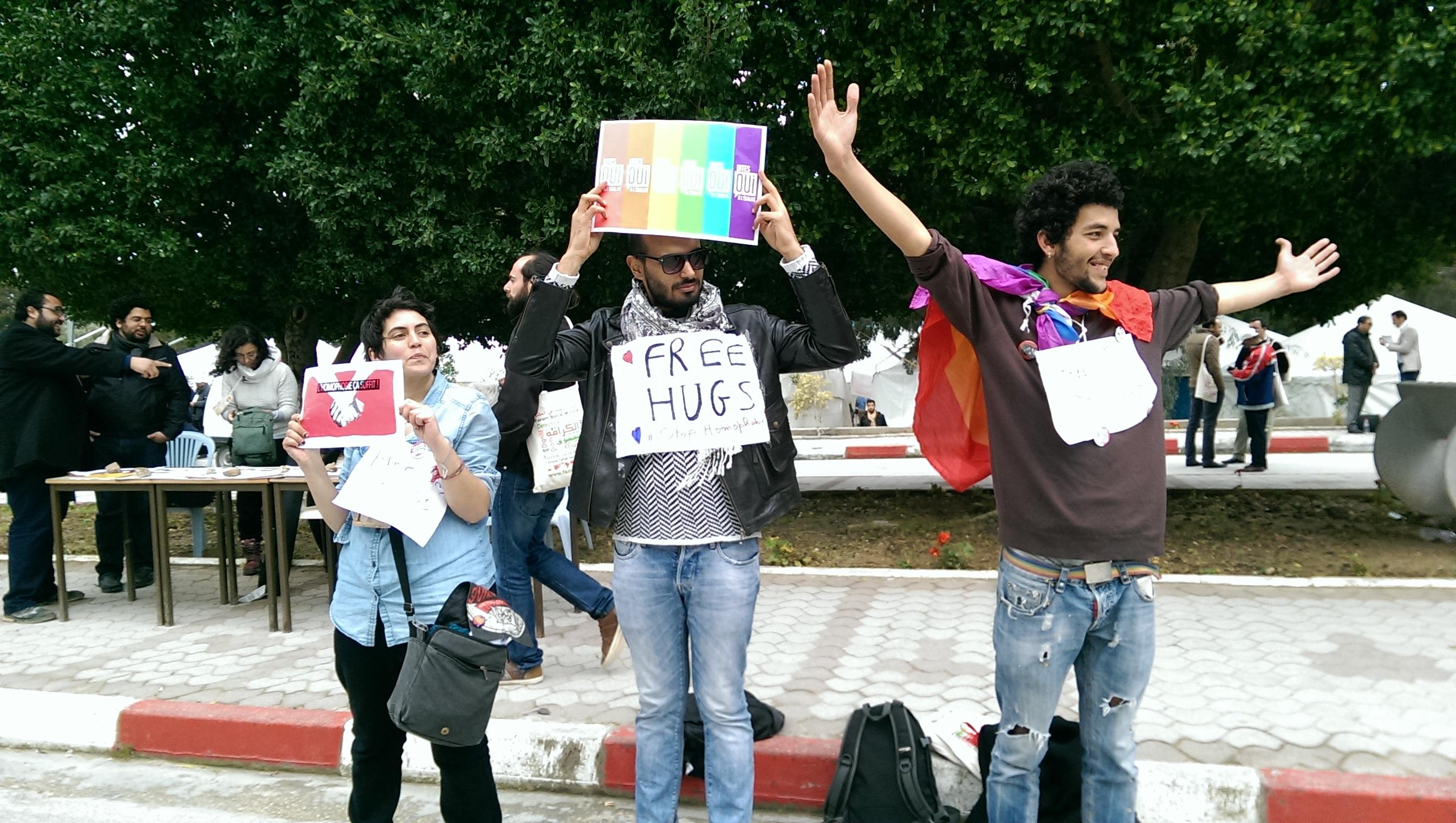 free_hugs.jpg