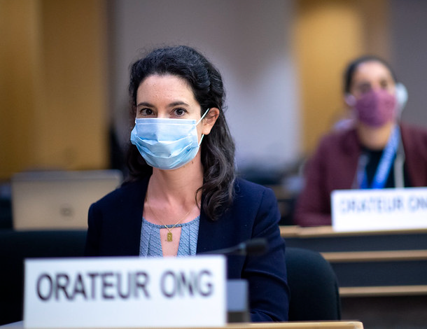 Speaker at the HRC43, wearing mask (610x470)