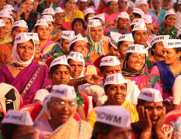 Mumbai organized a Public Meeting of Domestic Workers (610x470)