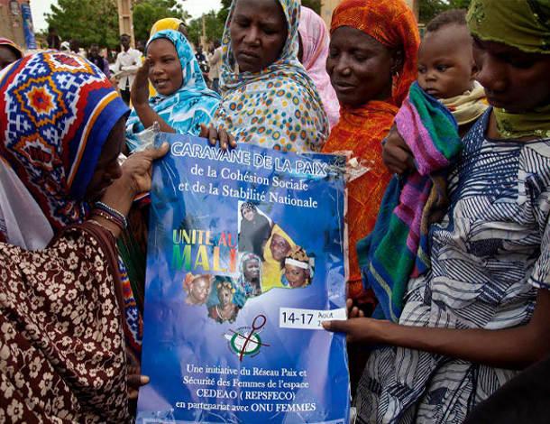 Mali women tile