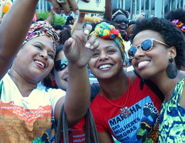 Marcha das Mulheres Negras 2015 - selfie (610x470)