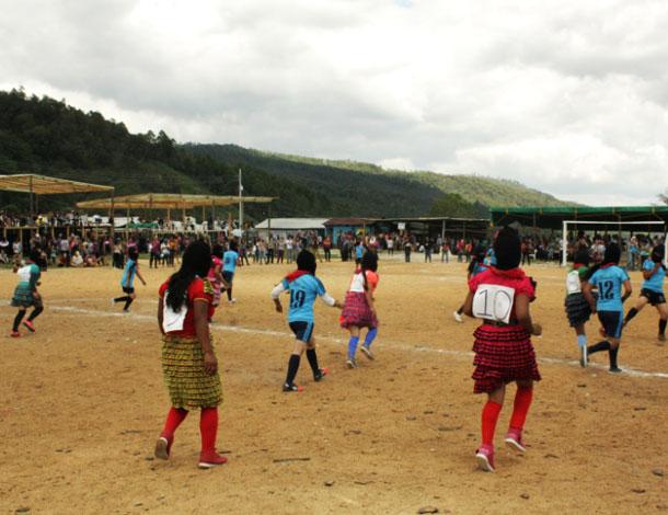 Zapatista women -  soccer (610x470)